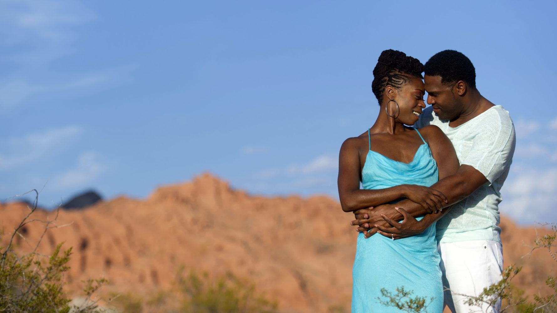 romantic destination engagement shoot dessert of nevada
