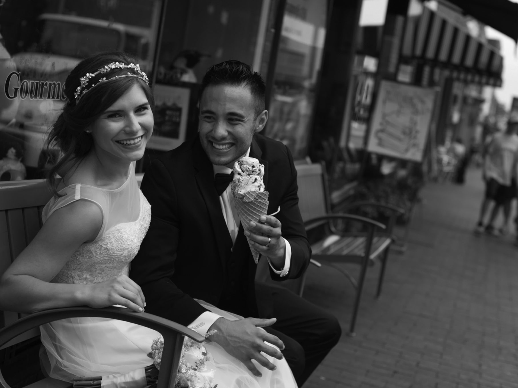 elope-photography-go-have-icecream-jax-photography