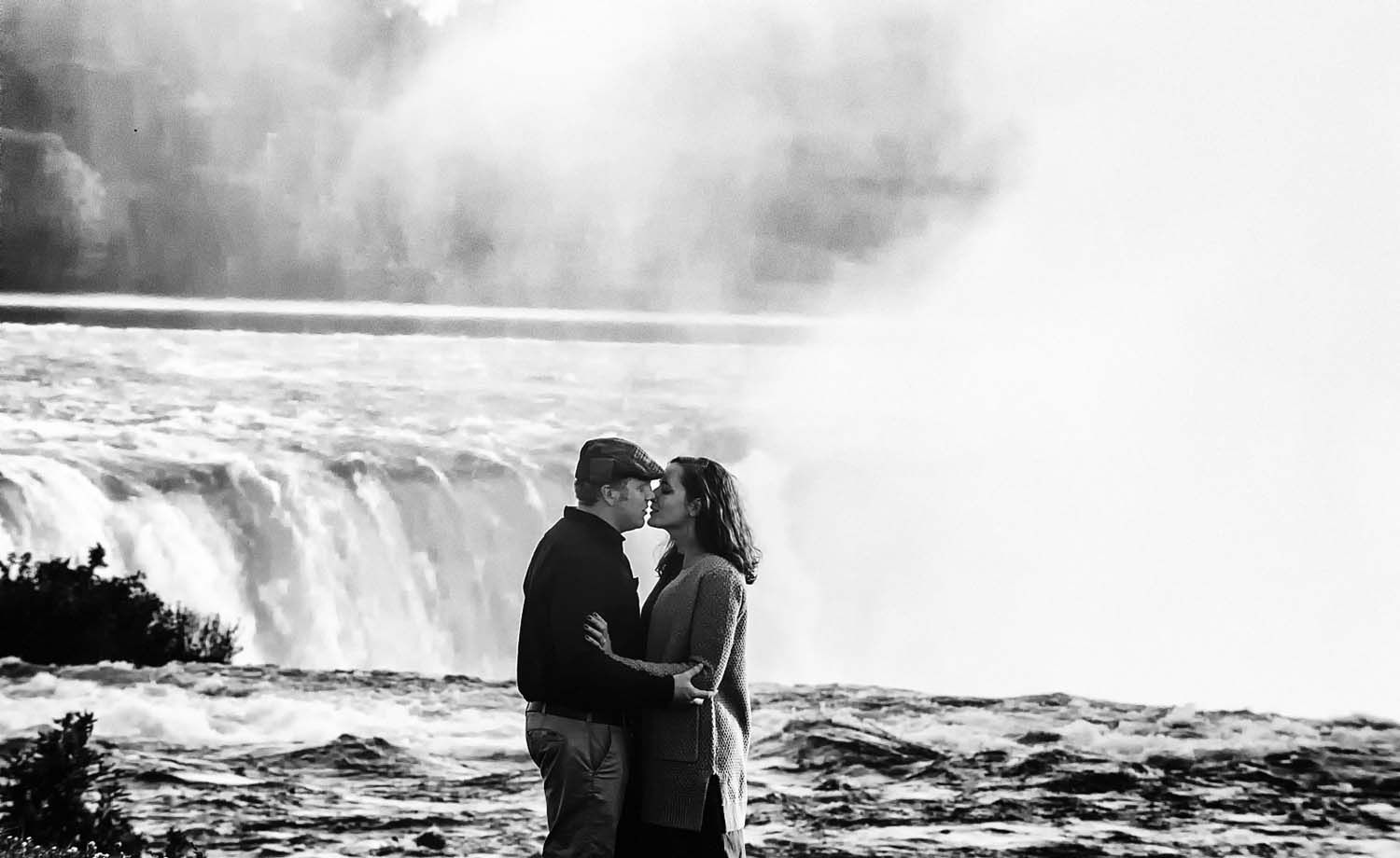 best engagement photos niagara falls